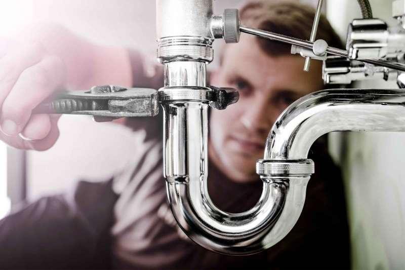 leaking bathroom sink drain